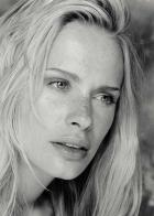 Leona (1999)